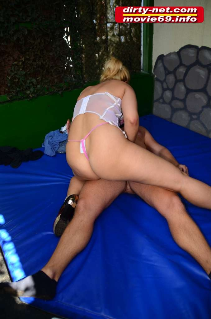 GangBang Party mit Schluckluder Vicky Wilfing