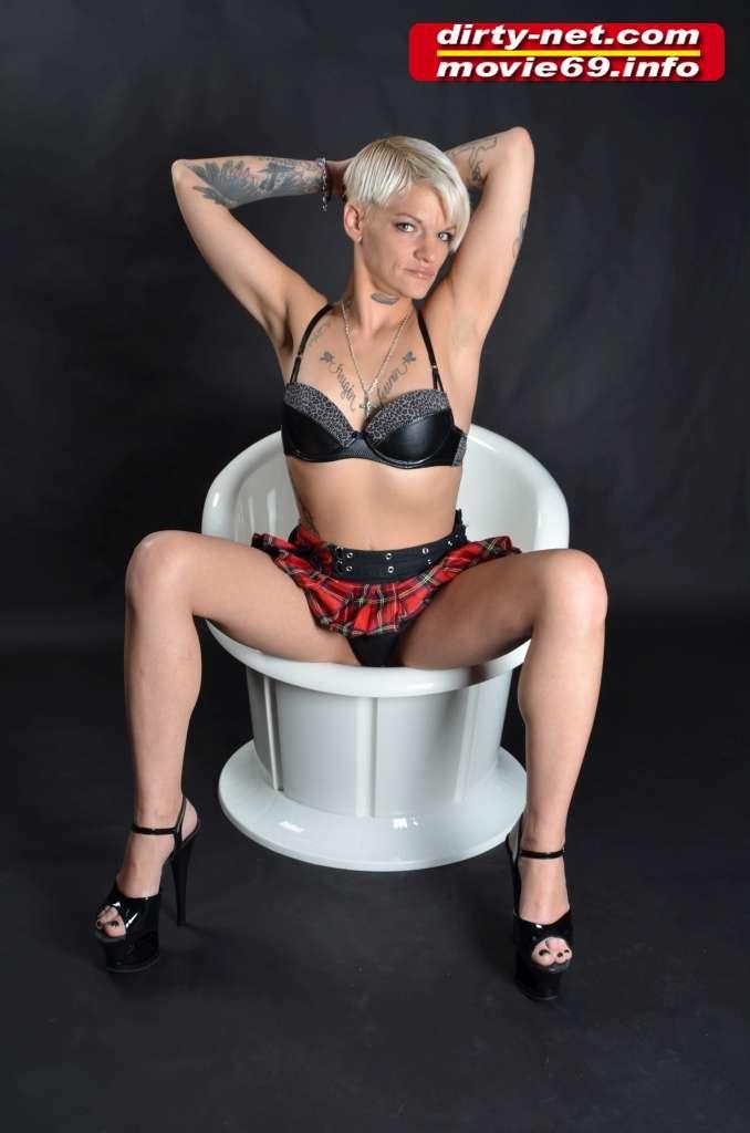 Cum Skinny Lola Devil