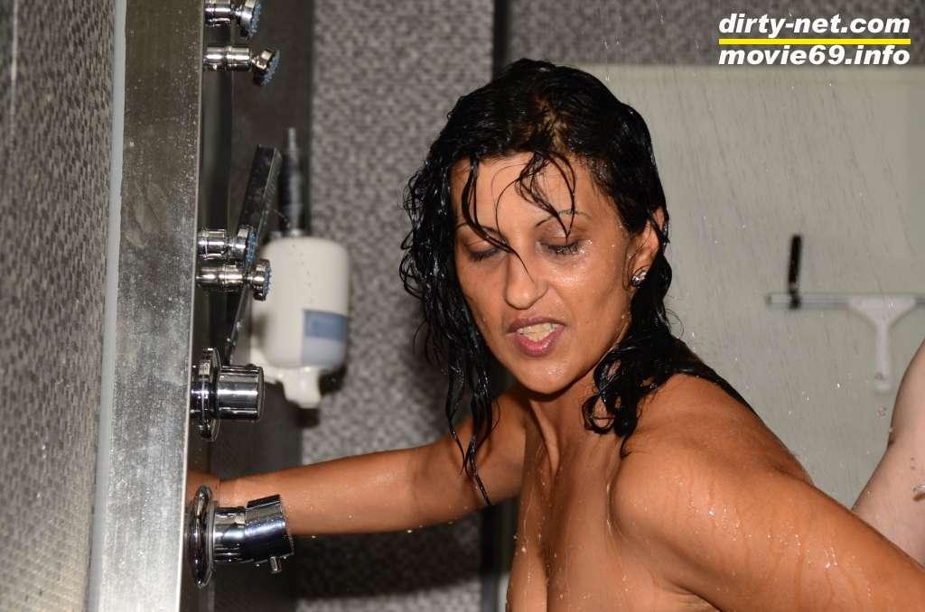 ficken unter der dusche